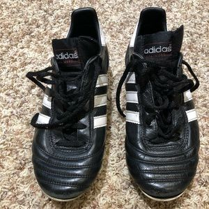 Adidas Copa Mundial leather soccer cleats (MENS 5)